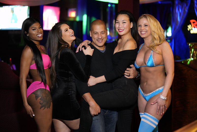 Tips To Successfully Win The Heart Of Strippers