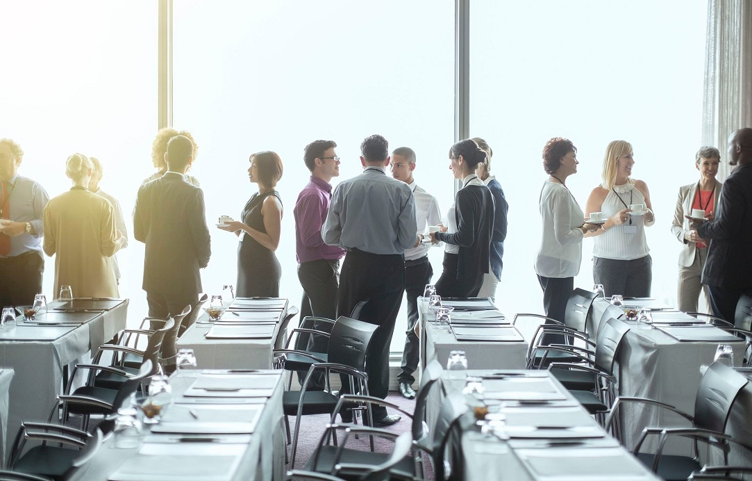 How to Plan A Successful Offsite Business Luncheon?